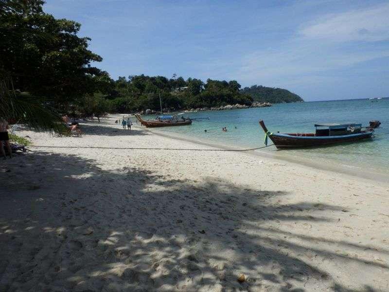 die linke Seite vom Strand